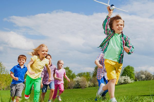 http://img.medscape.com/thumbnail_library/dt_150813_children_playing_running_800x600.jpg